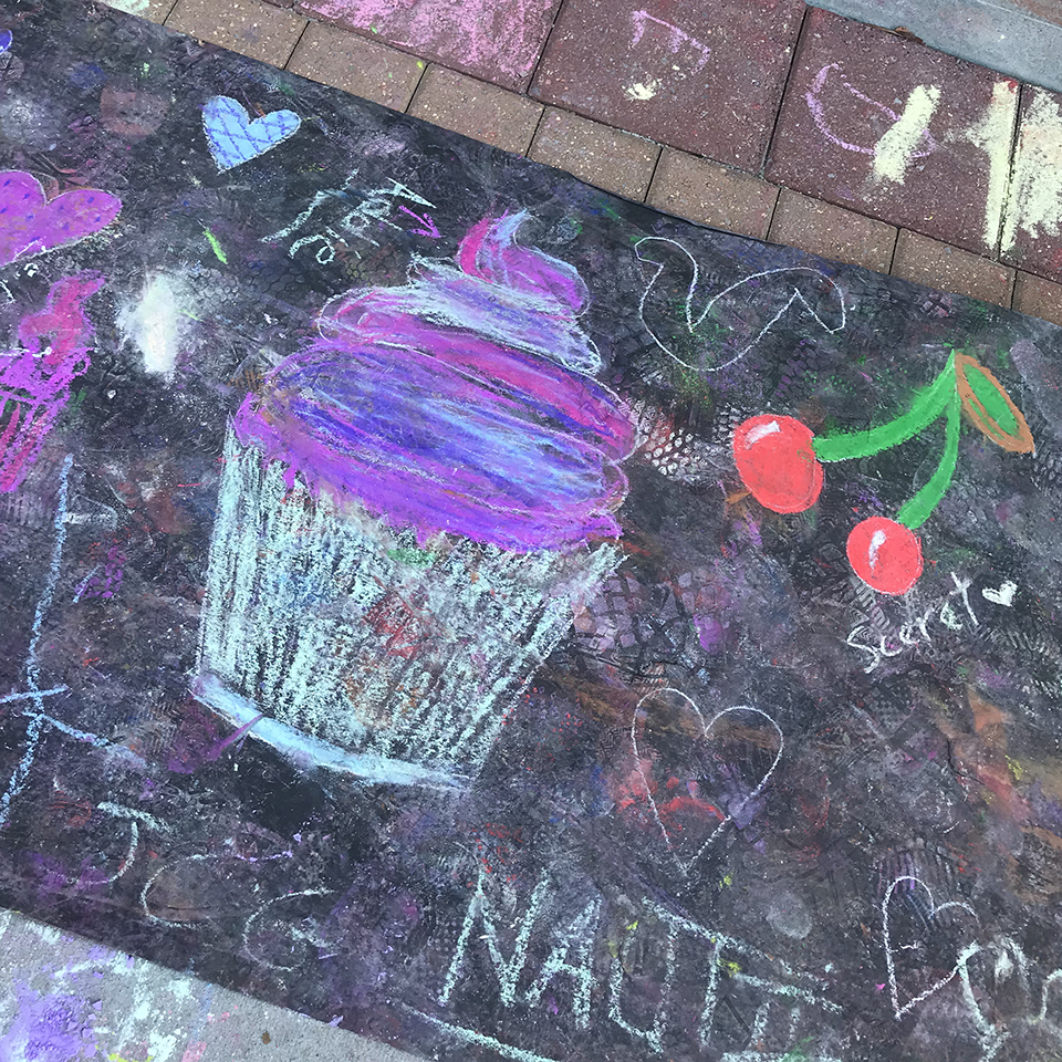 Albany-chalk-fest-community-chalk-cupcake